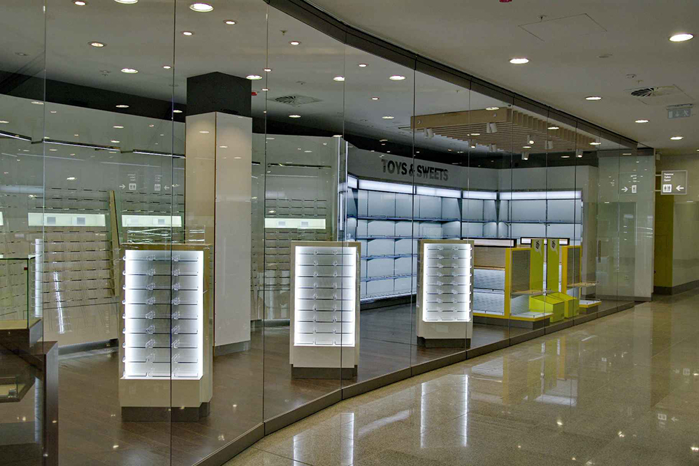 Movable glass partition